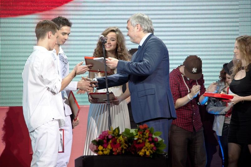 Лучшие песни в поддержку добровольного донорства крови прозвучали на финальном концерте конкурса «МУЗАРТЕРИЯ»
