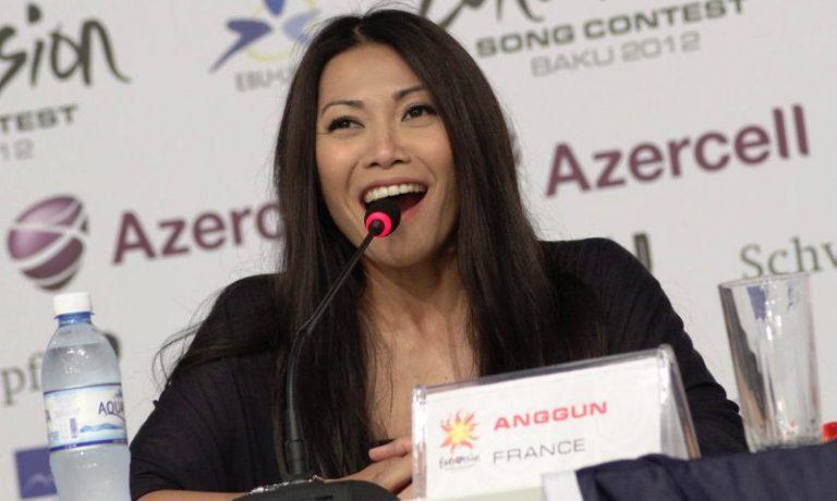 Франция: первая пресс-конференция