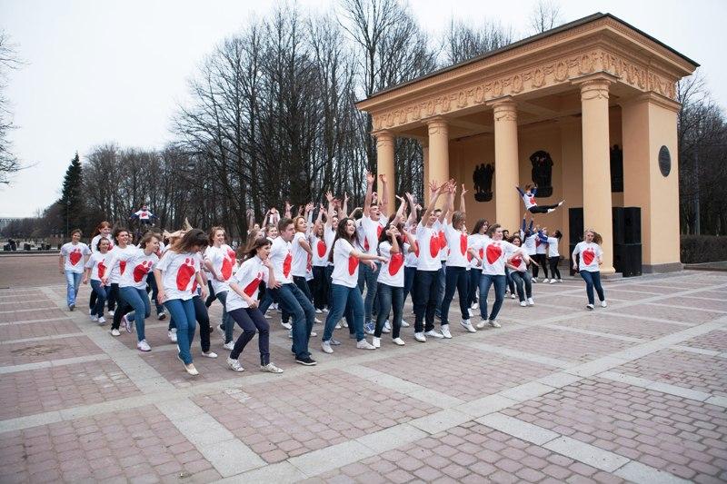 В Санкт-Петербурге состоялся комбинированный флэшмоб с участием Нюши