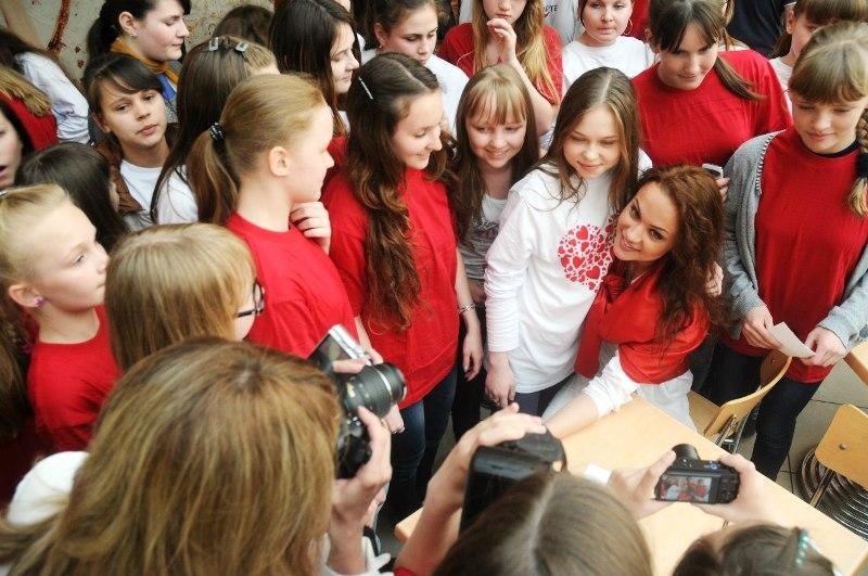 Еще один флэшмоб в поддержку безвозмездного донорства прошел на этот раз в Перми с Марией Берсеневой