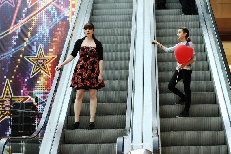 Вокальный флэшмоб от команды StreetMusical 29 мая в Москве, в ТРК VEGAS
