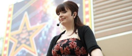 Певица, автор, участник стритмюзикла СКАЖЕМ ДА — Элина