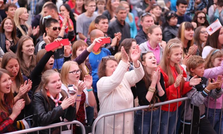 Екатеринбург отметил день города донорской акцией и концертом роудшоу МУЗАРТЕРИЯ